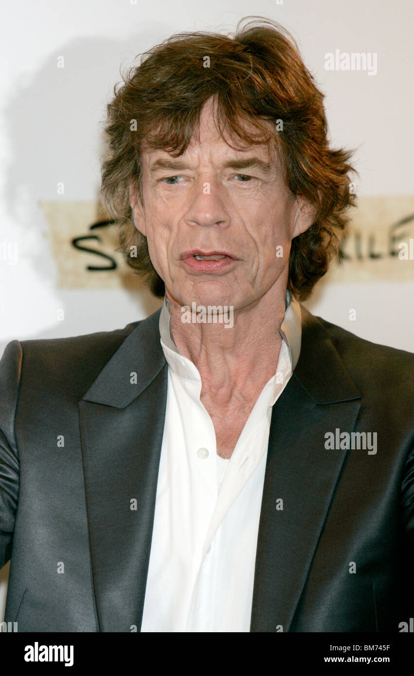 MICK JAGGER STONES IN EXILE PHOTOCALL MAJESTIC BARRIERE HOTEL CANNES FRANCE 19 May 2010 - Stock Image