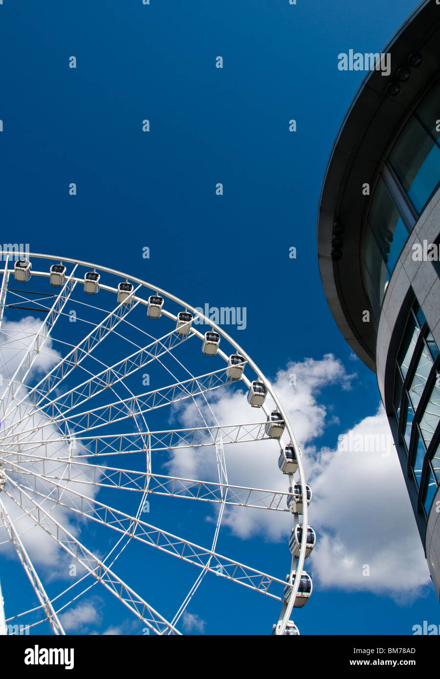 The Manchester Wheel, which was in Exchange Square, Manchester city center, England, UK, from 2004 to 2012. - Stock Image