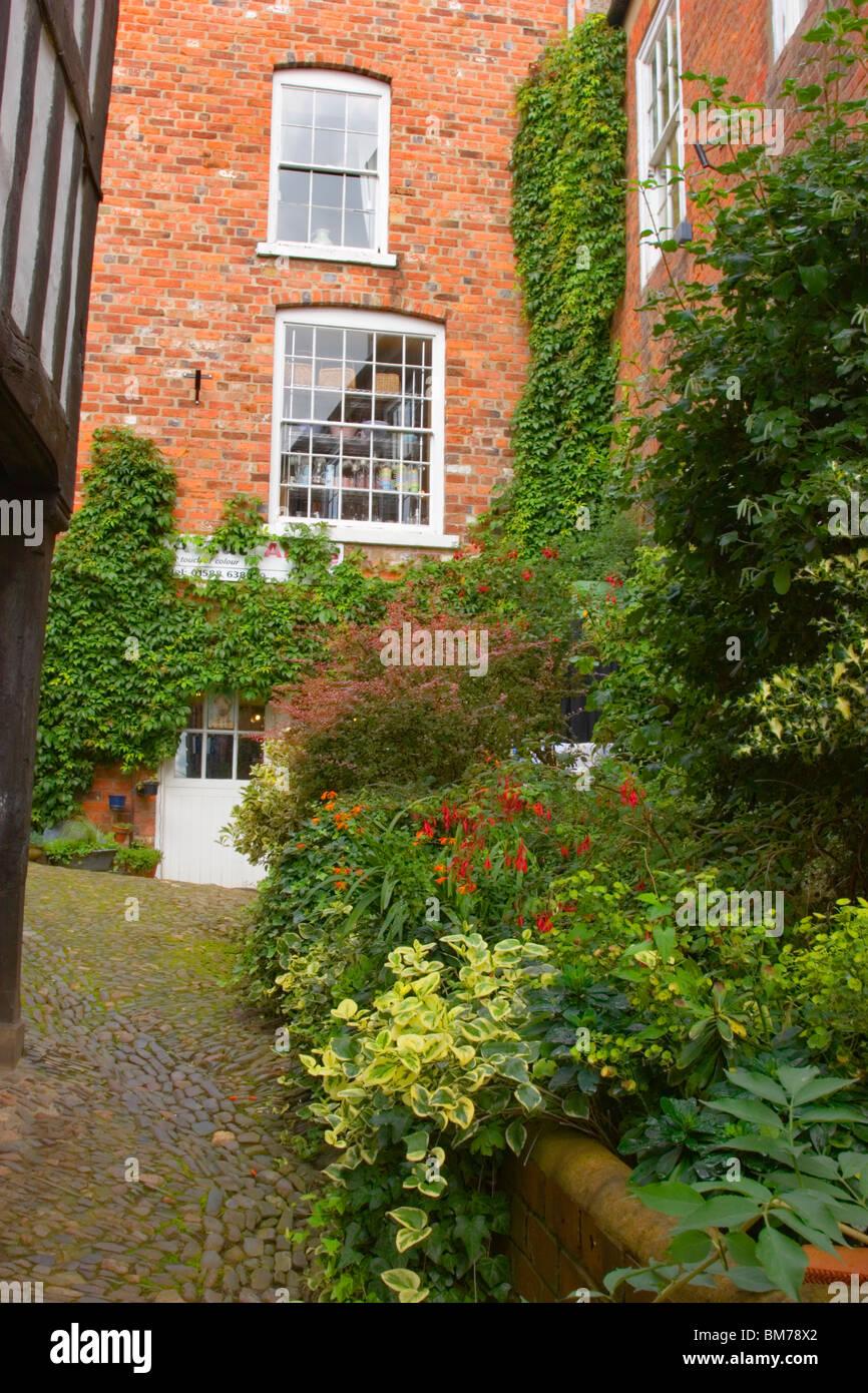 Cobbled Sreet near Market Square,Bishops Castle, Shropshire, England, UK - Stock Image