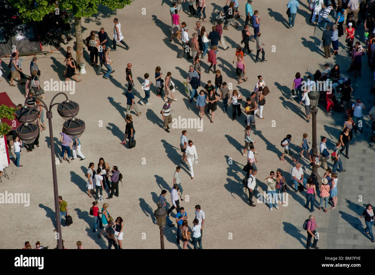 Crowd Scene, Overview, from (Arc de Tri-omphe), aerial