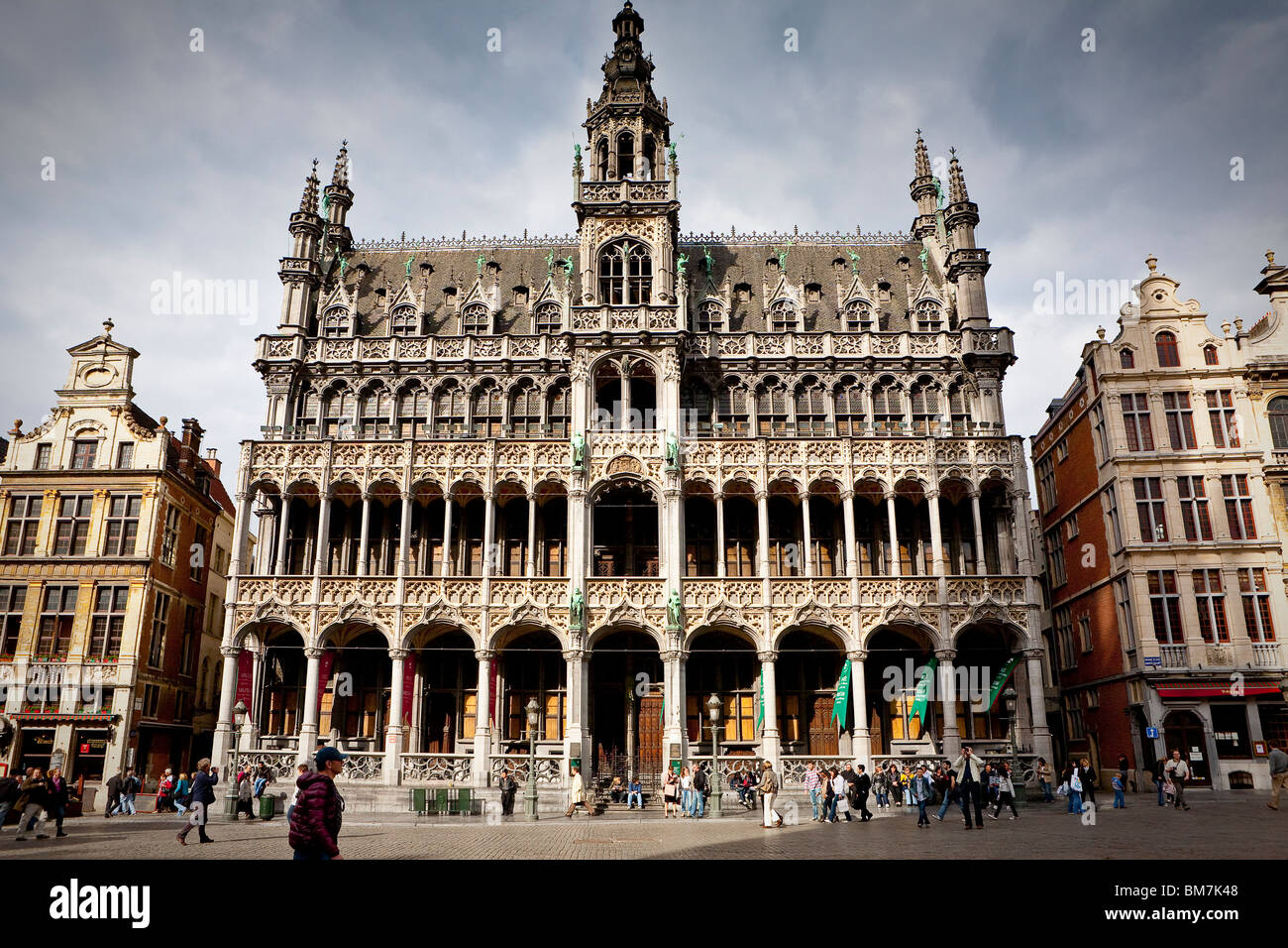 grand place grote markt broodhuis maison du roi brussels stock photo 29672168 alamy. Black Bedroom Furniture Sets. Home Design Ideas
