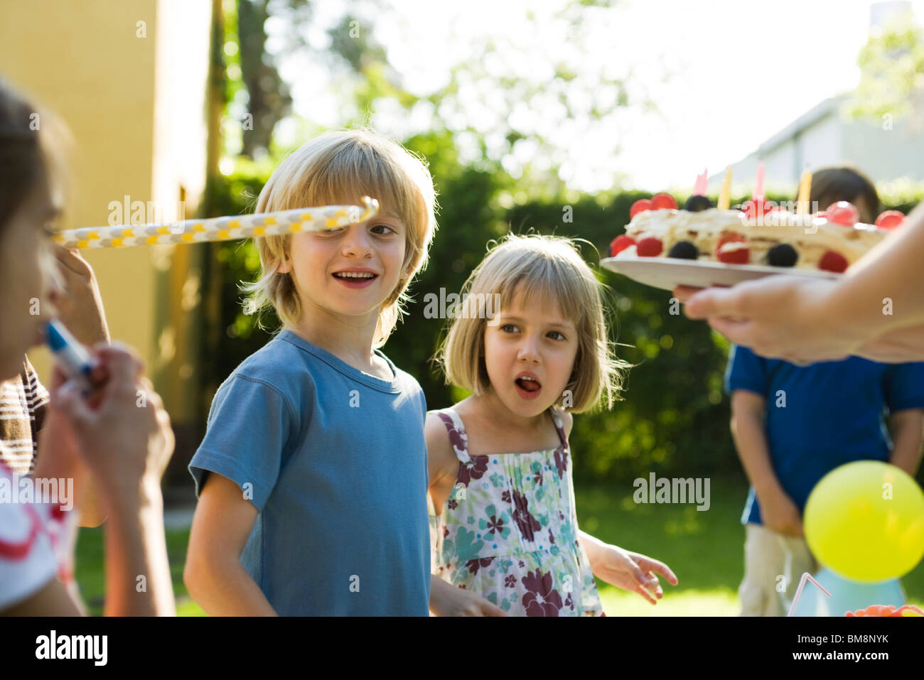 Children at birthday party - Stock Image