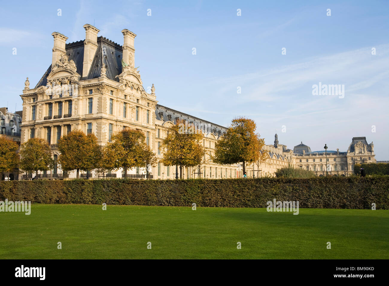 France, Paris, The Louvre viewed from the Jardin des Tuileries - Stock Image