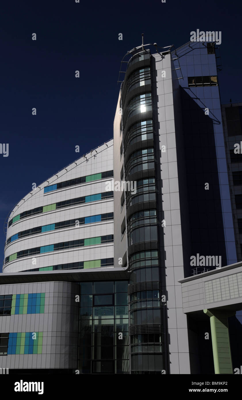 The new Queen Elizabeth Hospital at the end of it's construction. - Stock Image