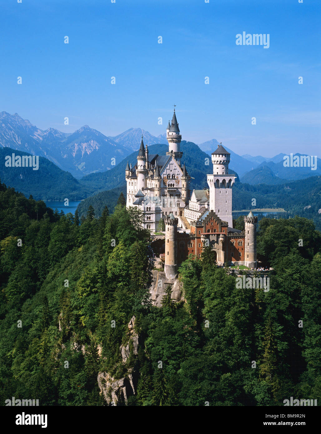 Spectacular view of the fairytale castle of Neuschwanstein, built by King Ludwig II near the town of Hohenschwangau - Stock Image