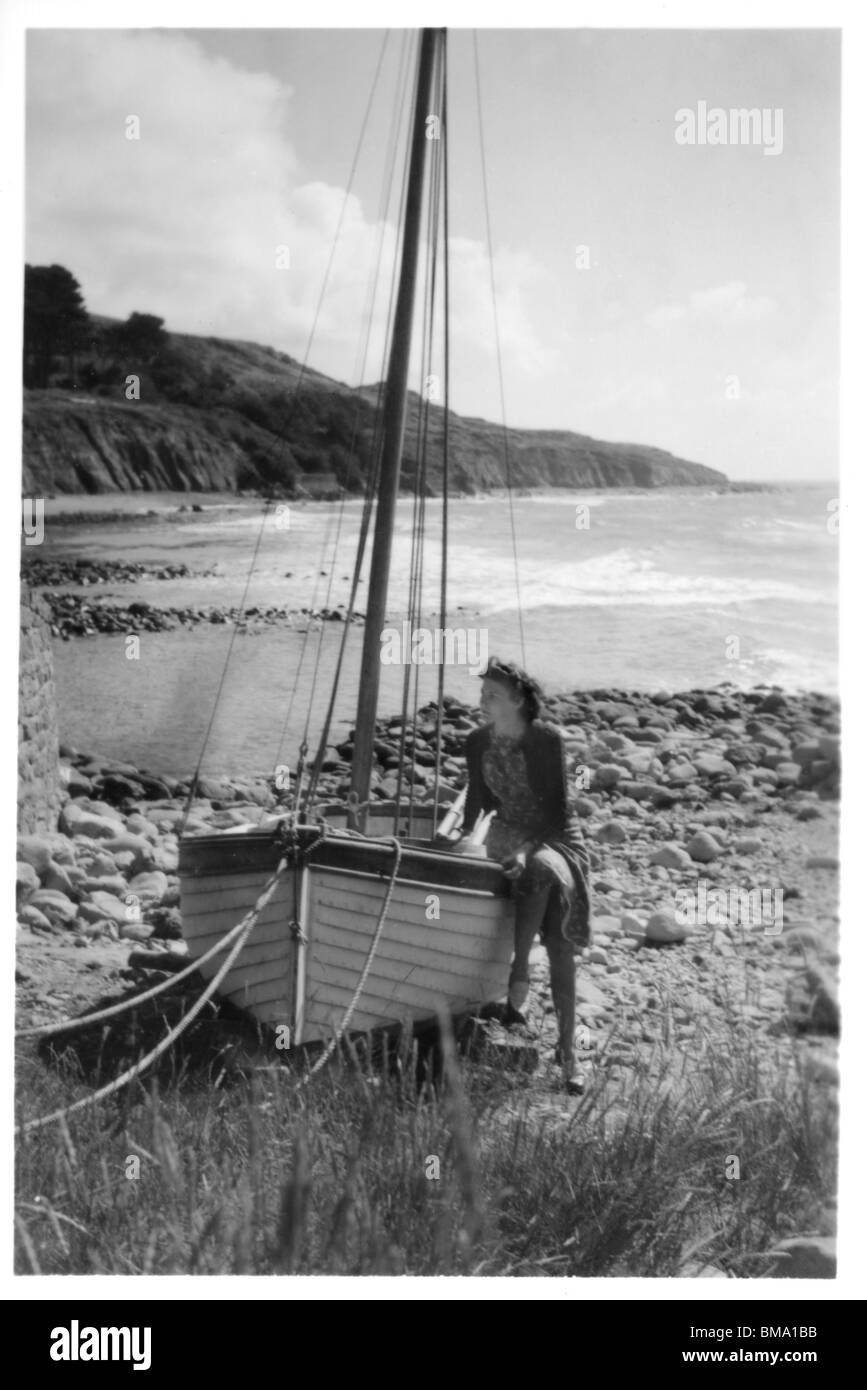 Archive Image: Young woman on boat (1940s - Castlehaven, Isle of Wight ) - Stock Image