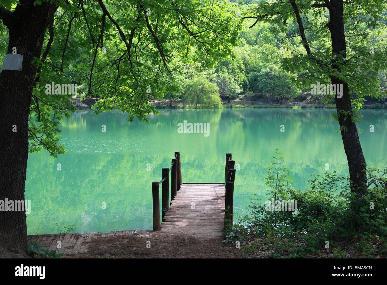 Lago Sinizzo, Abruzzo Italy, a favourite swimming spot in Abruzzo ...