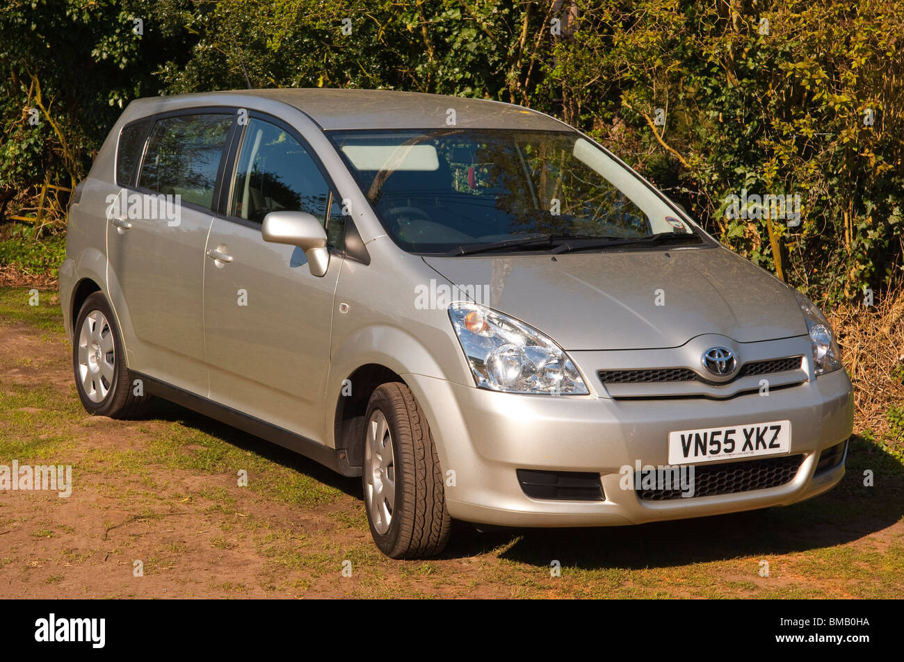 a 2005 toyota corolla verso family car in silver in the uk. Black Bedroom Furniture Sets. Home Design Ideas
