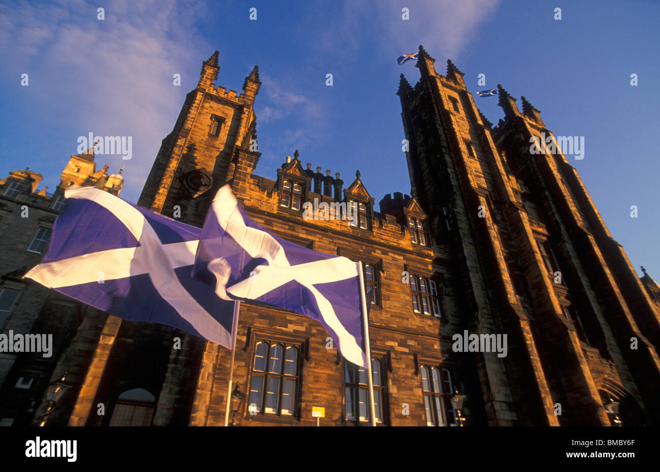 University of edinburgh university Edinburgh university buildings with st andrews flag or saltaire Edinburgh Midlothian - Stock Image