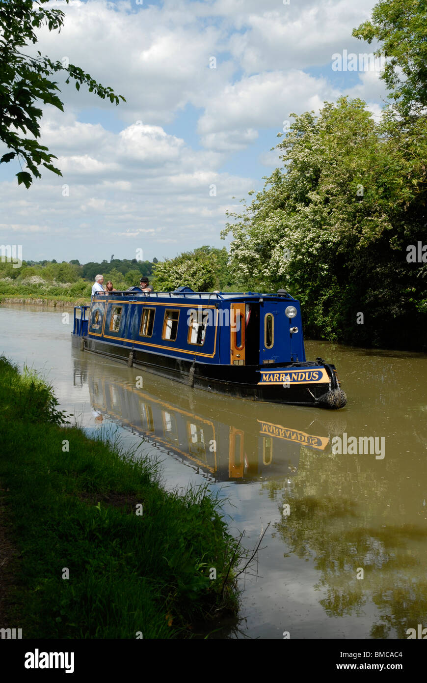 A narrowboat on the Grand Union Canal at Cosgrove, Northamptonshire, 2010. - Stock Image