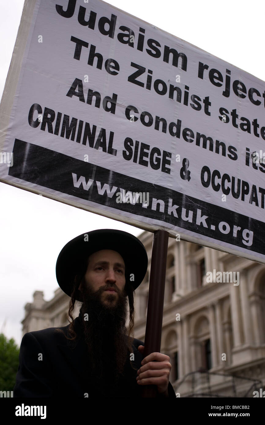 Anti Israeli protest by orthodox  jews  in London following the raids on the flotilla - Stock Image