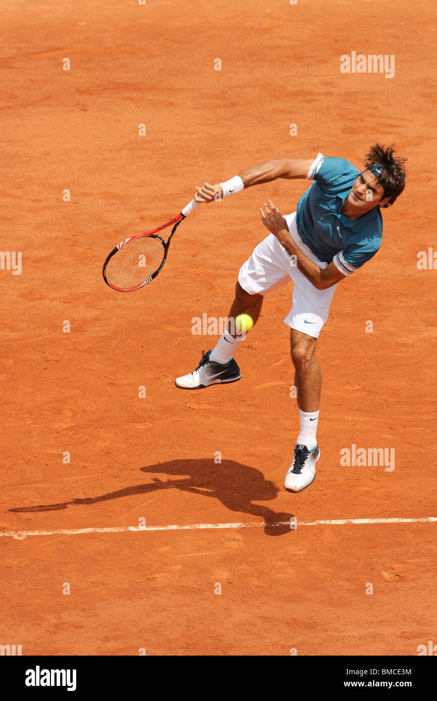 Roger Federer (SWI) competing at the 2010 French Open - Stock Image