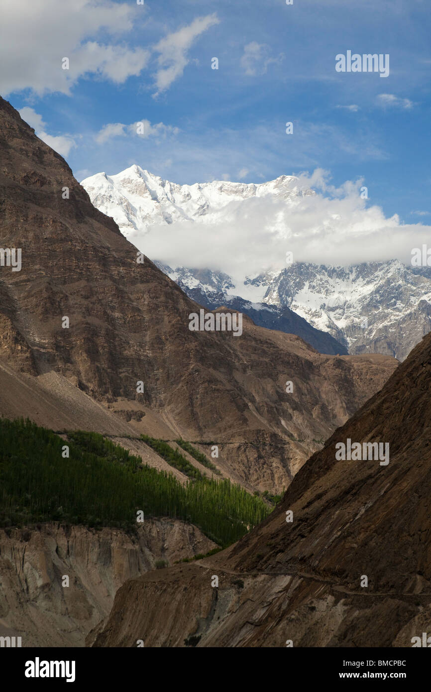 Looking up the Hunza Valley towards Karimabad, Hunza, Pakistan - Stock Image