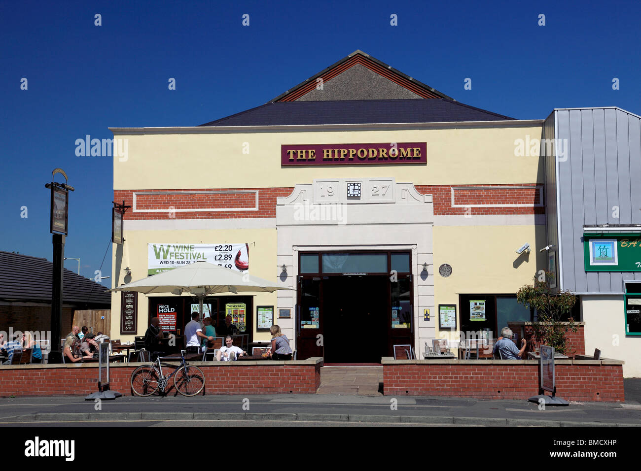Wetherspoons pub, Market Drayton, Shropshire is in the old Hippodrome cinema built in 1927 - Stock Image