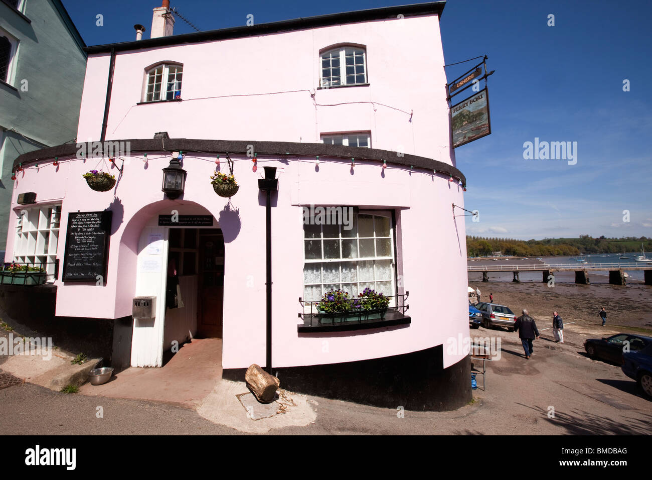 UK, England, Devon, Dittisham, Ferry Boat Inn overlooking River Dart - Stock Image