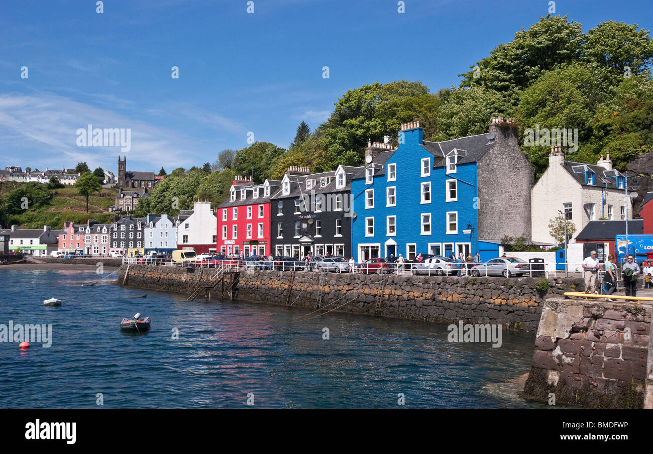 Sea frontage of the small town of Tobermory on the island of Mull in western Scotland - Stock Image