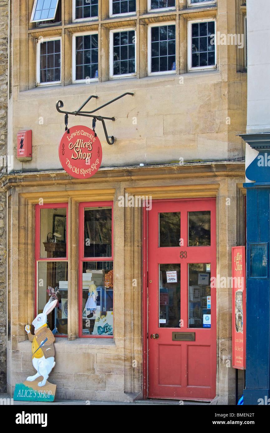 UK Oxford Alice In Wonderland Shop - Stock Image