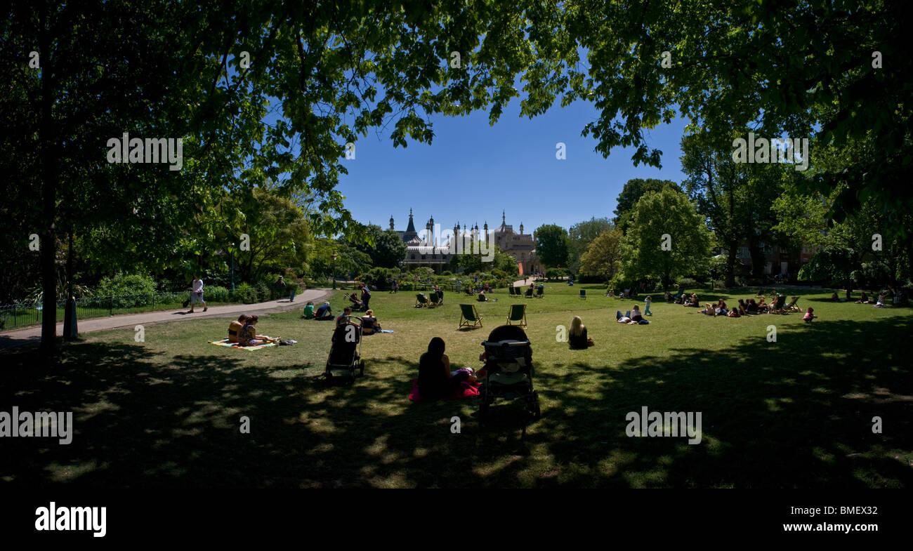 Panoramic views of Brighton: The Royal Pavilion Gardens. - Stock Image