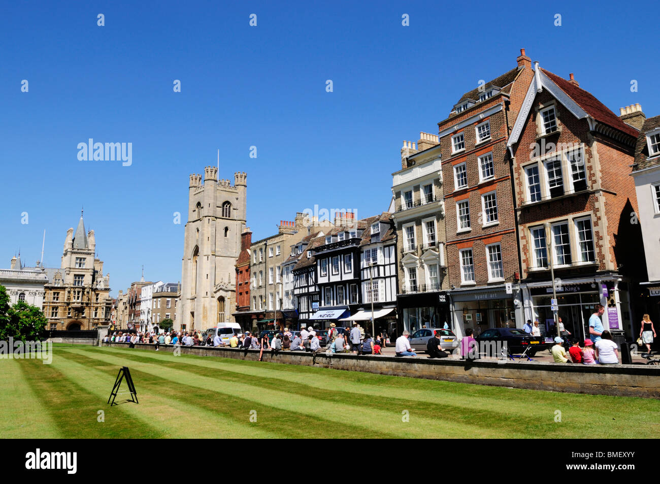 Shops and Tourists along Kings Parade from Kings College, Cambridge, England, UK - Stock Image