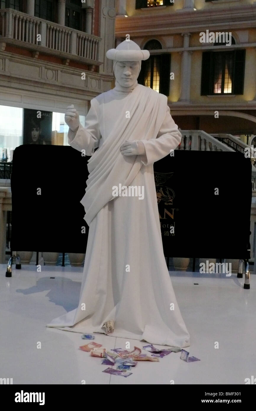 A mime performing in Venetian Macao-Resort-Hotel, Macau, China - Stock Image