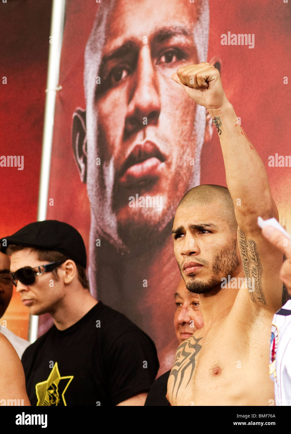 Miguel Cotto Yuri Foreman super welterweight weigh-in Yankee Stadium boxing sports weigh-in - Stock Image