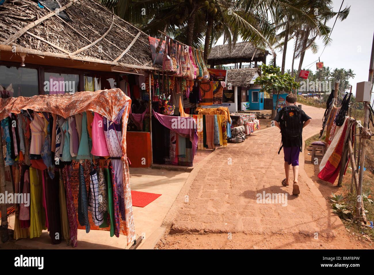 India, Kerala, Varkala clifftop clothes and souvenir shop Stock Photo