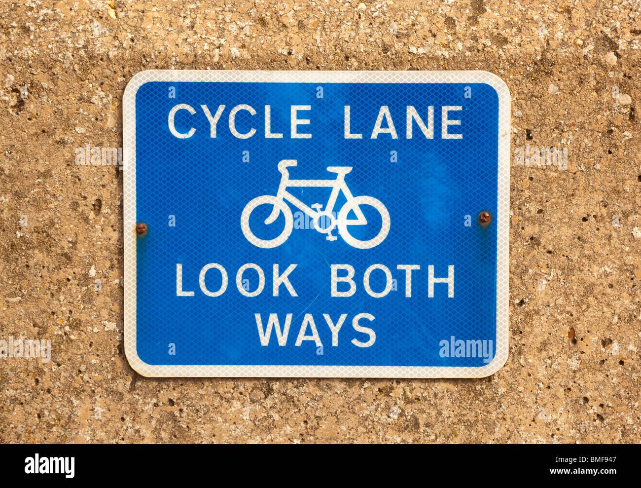 cycle lane sign uk - Stock Image