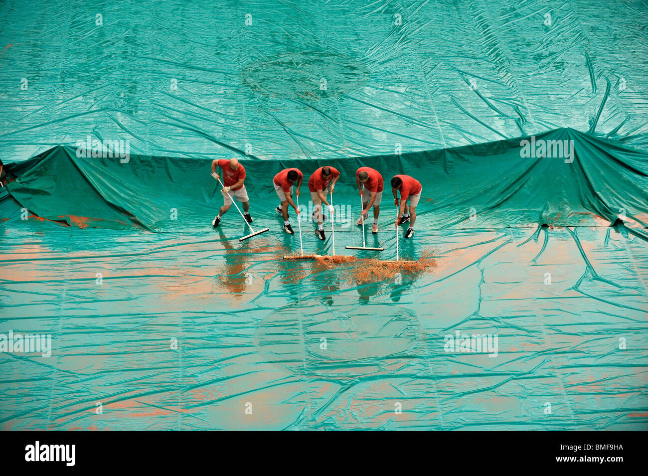 Rain delay at the 2010 French Open - Stock Image