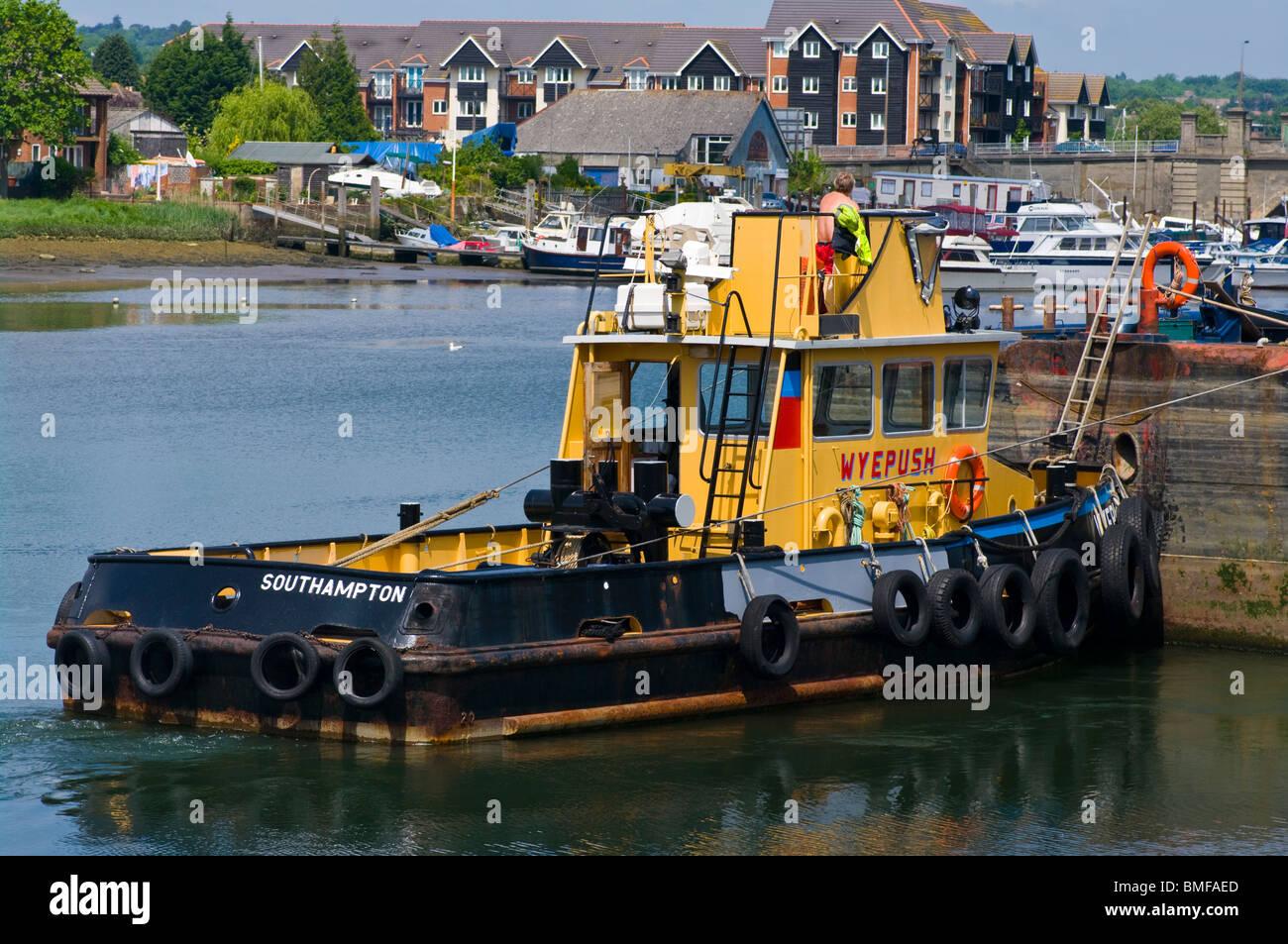 The Wyepush Tug boat uk tugs - Stock Image