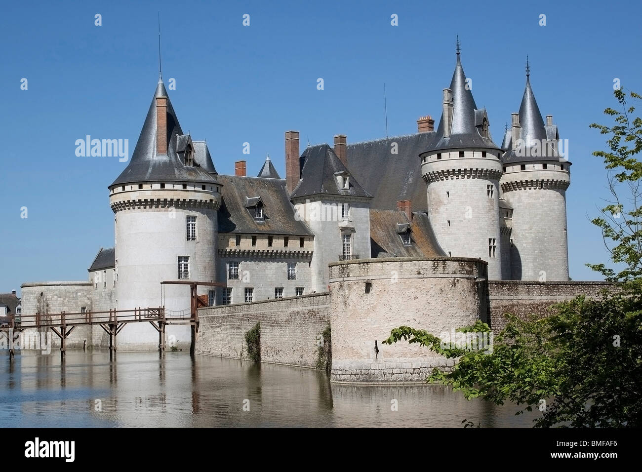 photograph of the castle of the sully-on-Loire in the loiret - Stock Image
