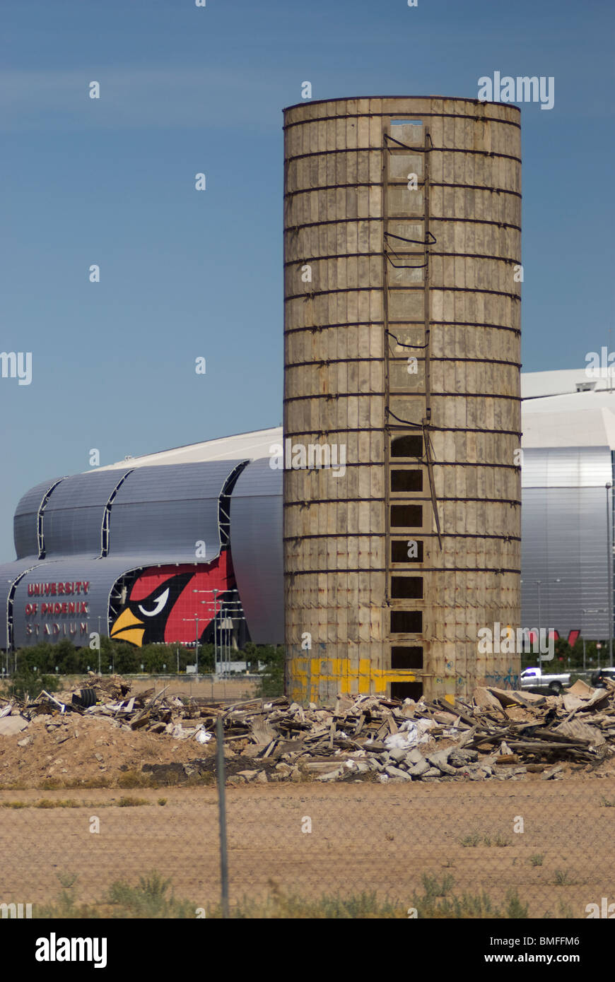 The University of Phoenix Stadium (Arizona Cardinals Stadium) in Glendale, Arizona, USA.  Shown from across a neighboring - Stock Image