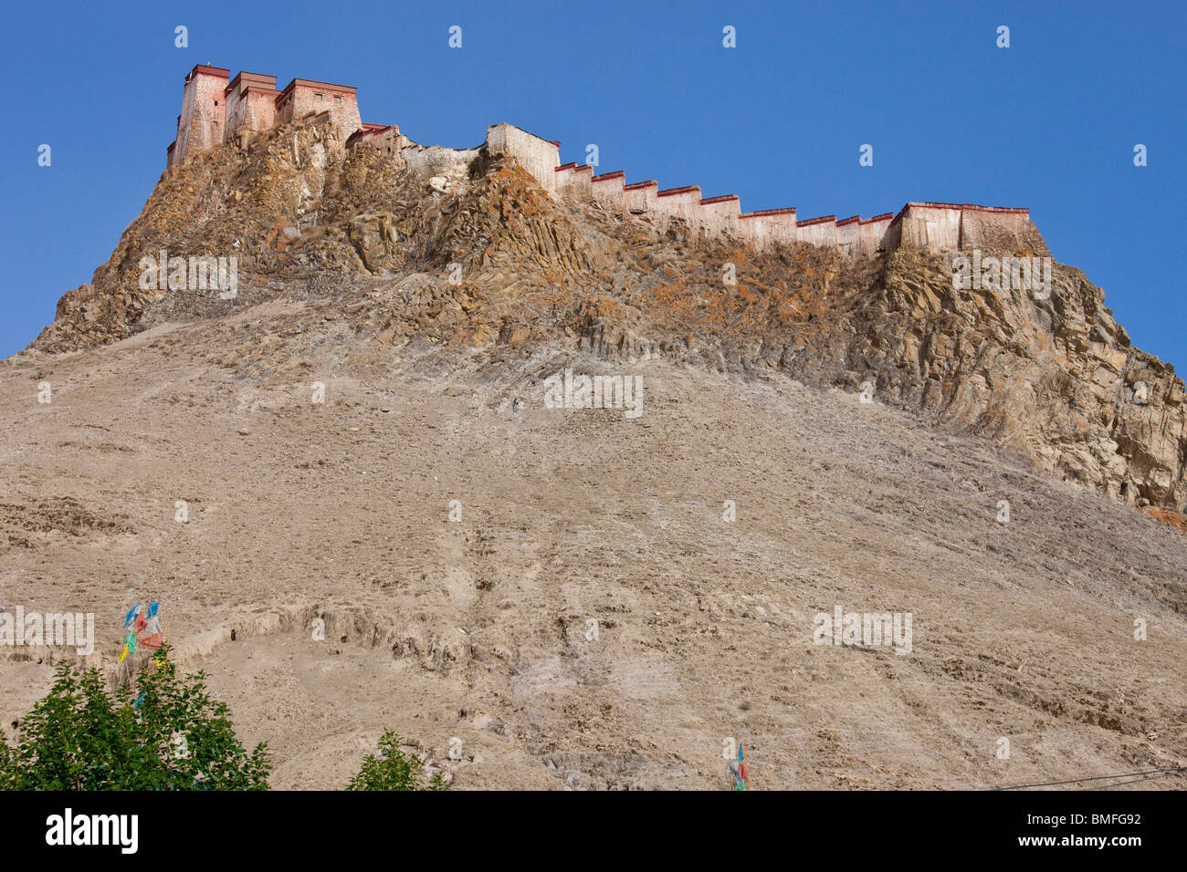 Gyantse Dzong or Fortress in Gyantse, Tibet Stock Photo