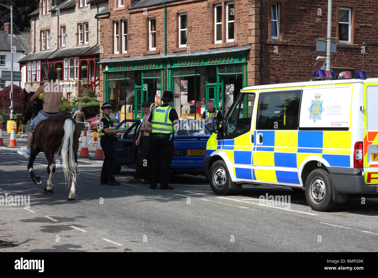 A police vehicle check at the Appleby Horse Fair, Appleby-In-Westmorland, Cumbria, England, U.K. - Stock Image