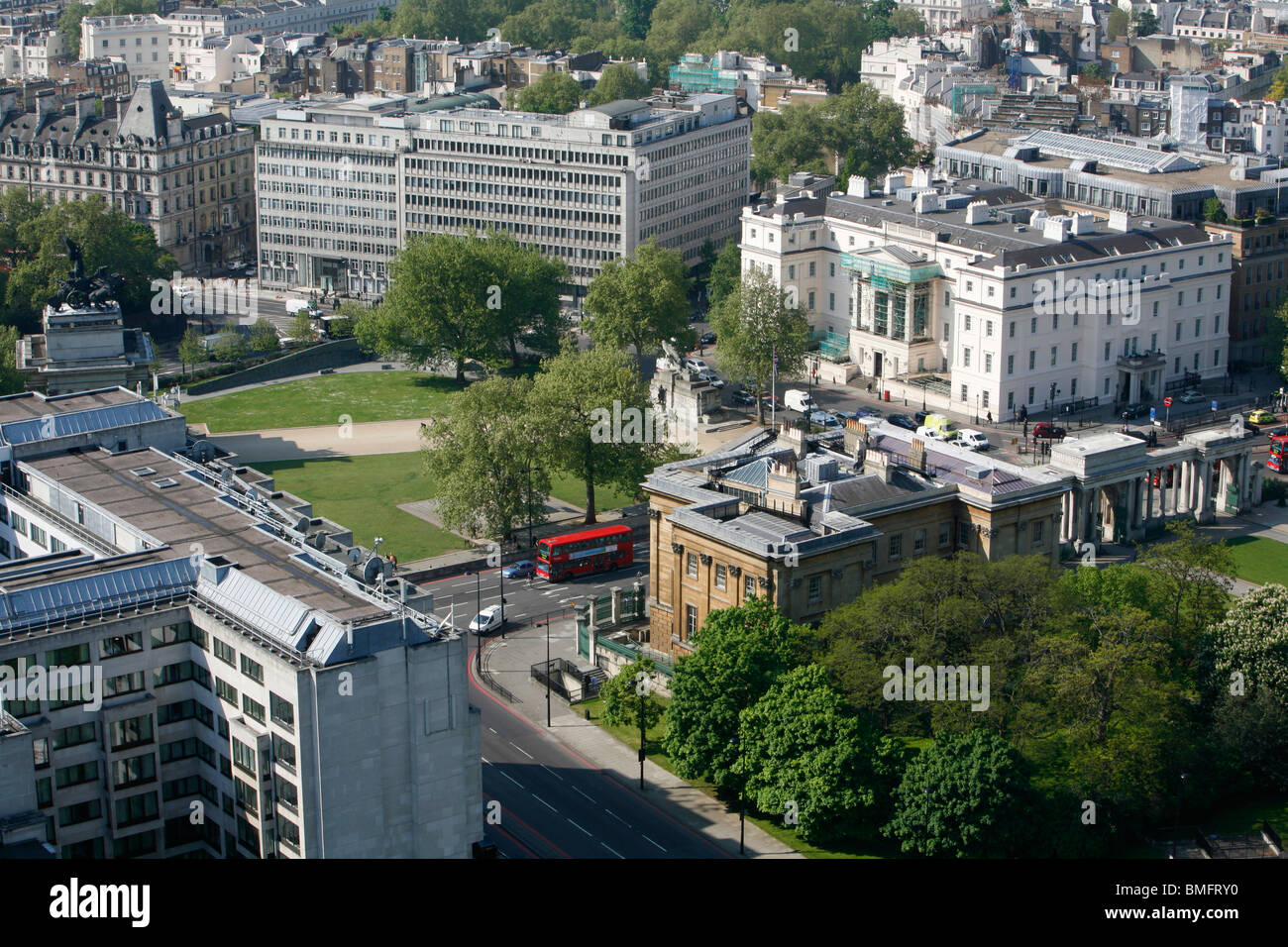 Elevated view of Lanesborough Hotel, Apsley House and Wellington Arch on Hyde Park Corner, Belgravia, London, UK - Stock Image