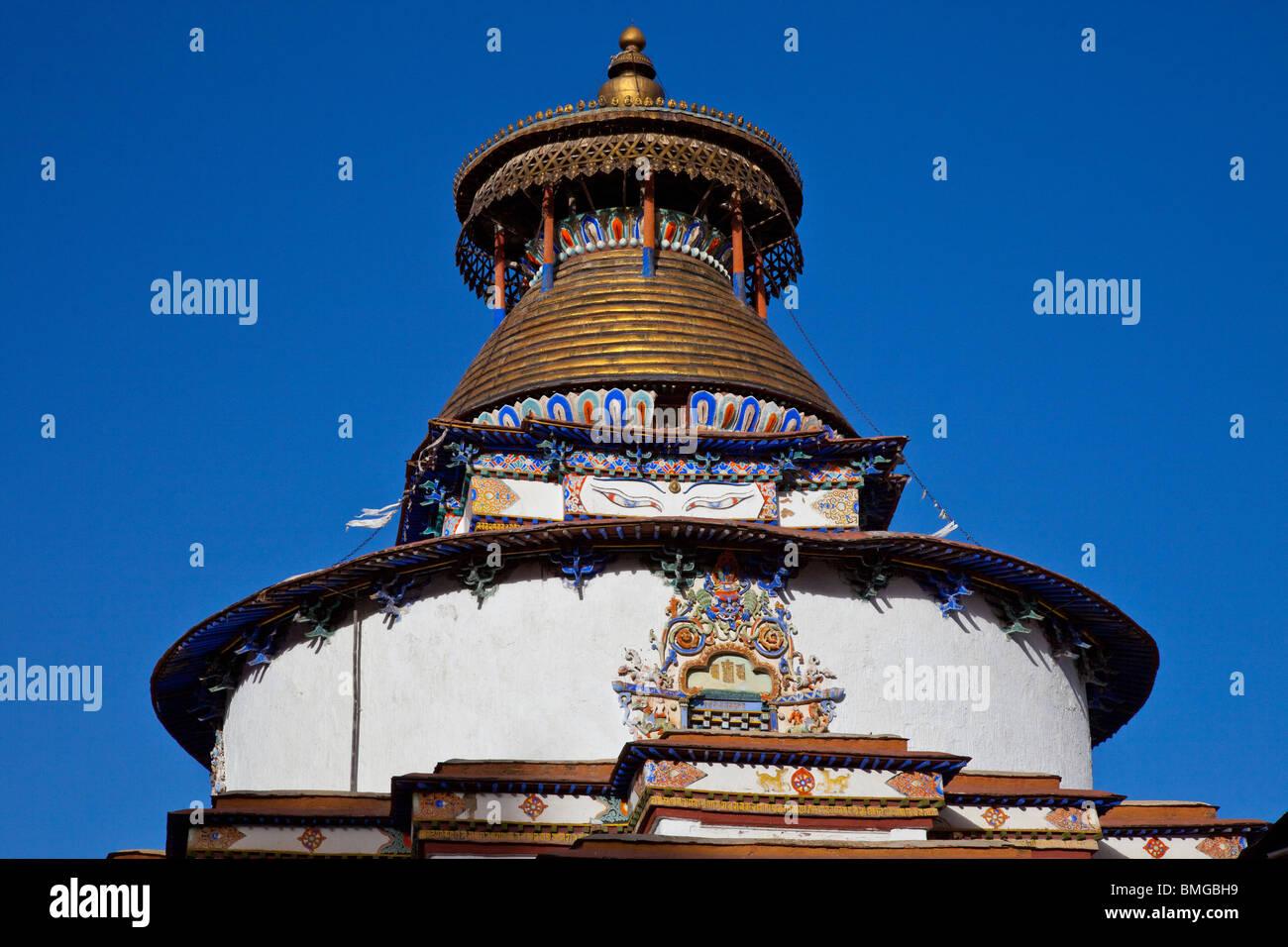 Gyantse Kumbum at Pelkor Chode Monastery in Gyantse, Tibet - Stock Image