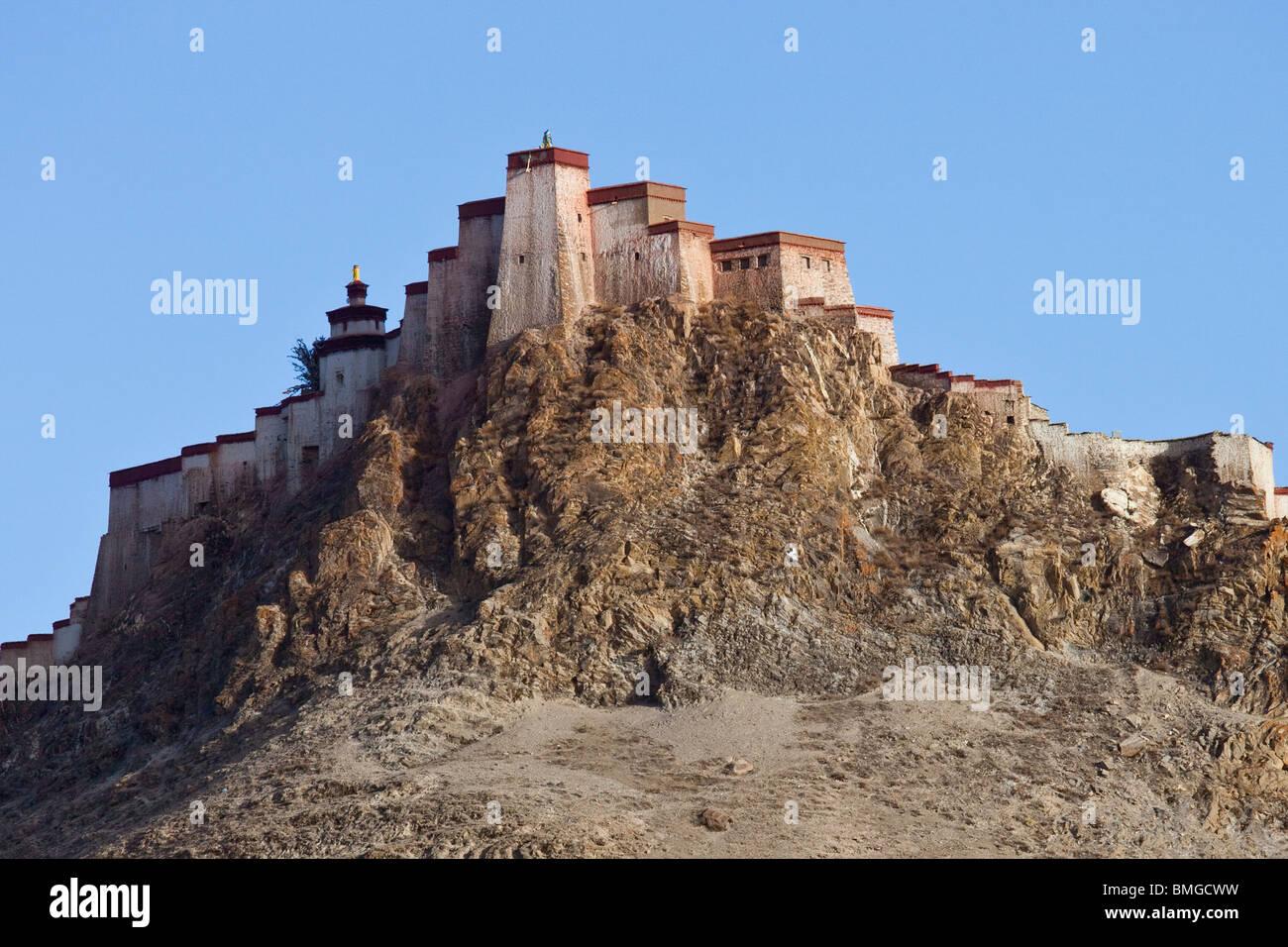 Gyantse Dzong or Fortress in Gyantse, Tibet - Stock Image