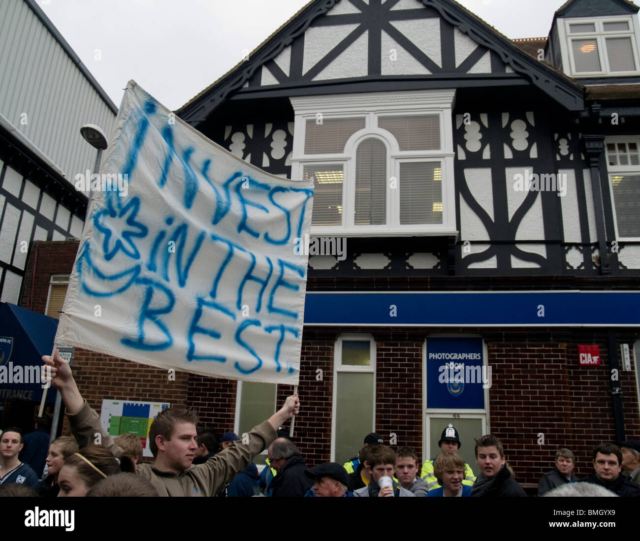 Portsmouth Protester, Portsmouth FC v Sunderland AFC FA Cup 4th Round 2010 - Stock Image