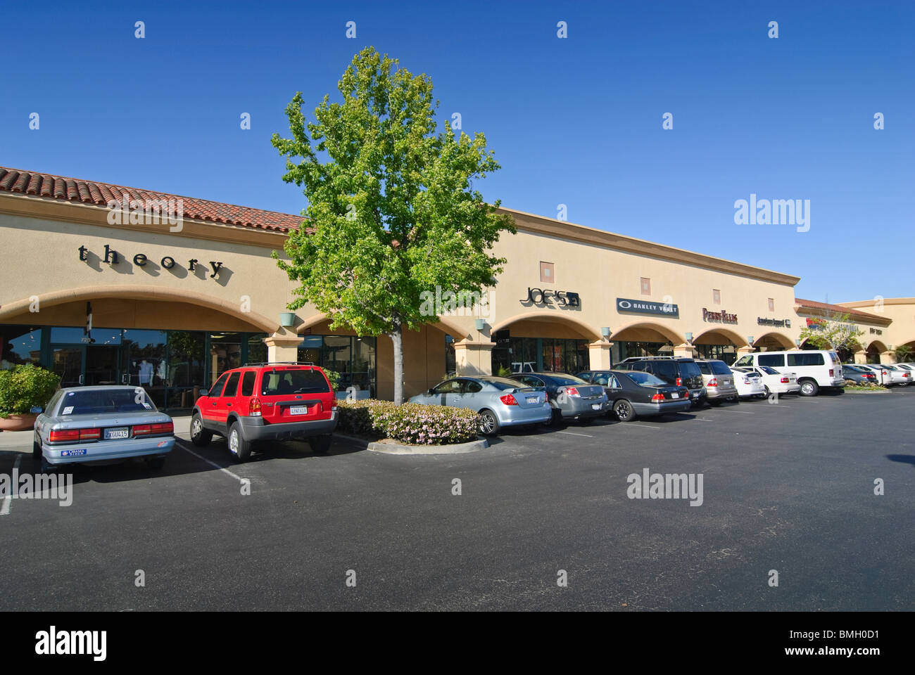 Camarillo Premium Outlets is a shopping center that brings together the finest brands in a unique outdoor environment. - Stock Image
