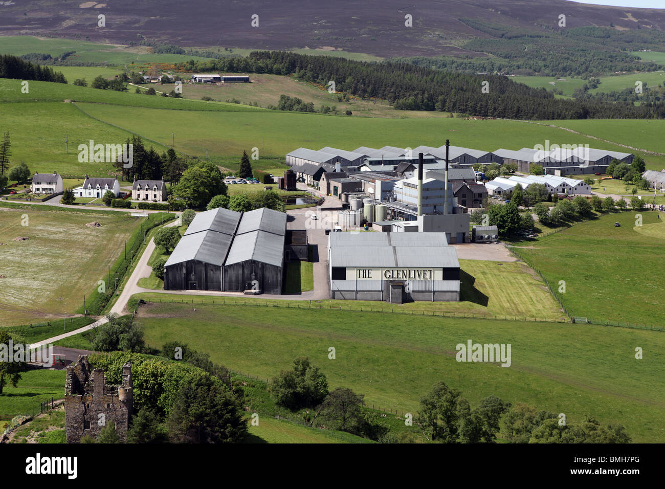 Aerial photo of the world famous Glenlivet scotch whisky distillery in the highlands of Scotland near Ballindalloch - Stock Image