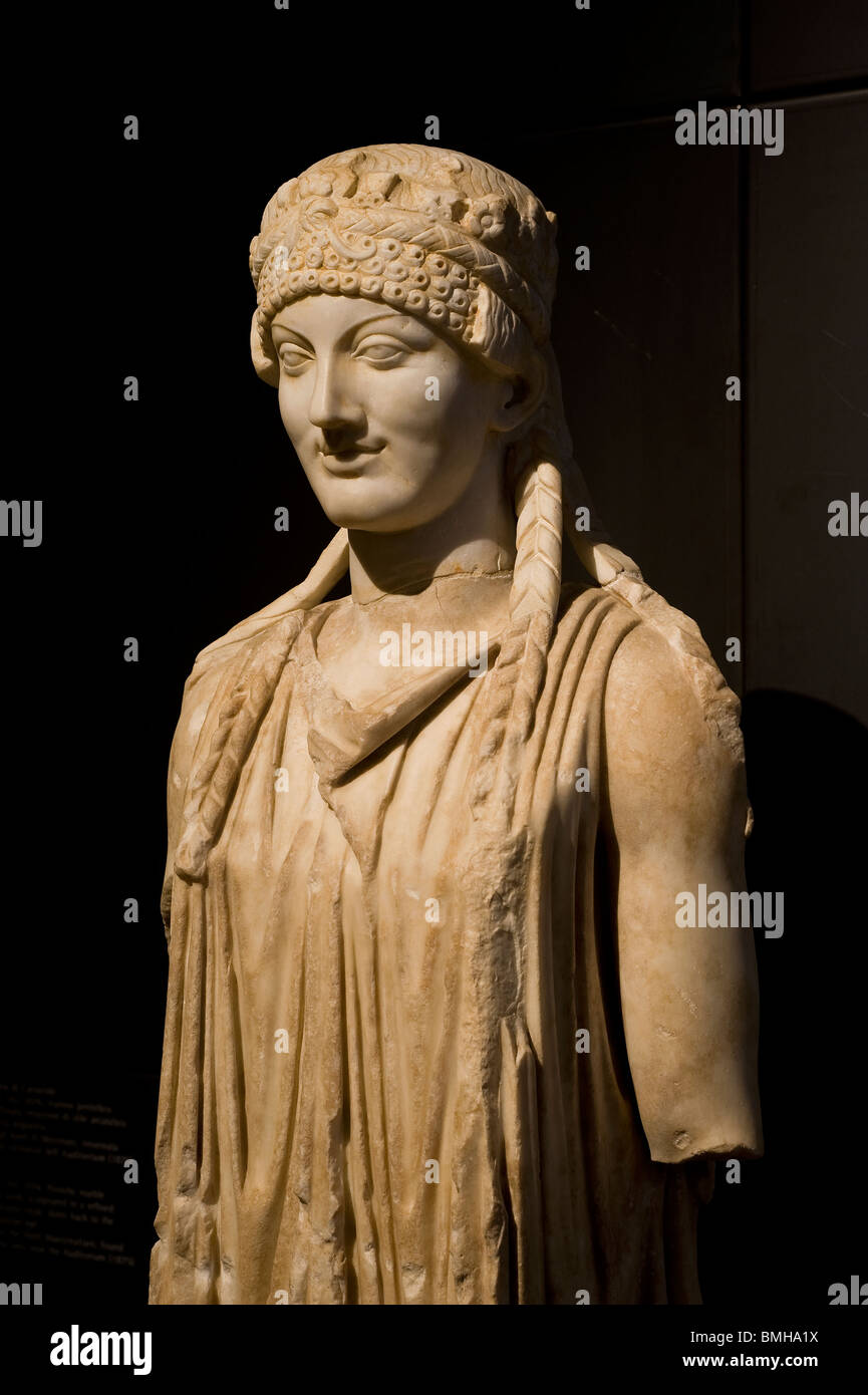 Capitoline Museums, Rome, Italy. Herm of a Caryatid. Pentelic marble. Augustan age. From the Horti Maecenatiani. - Stock Image