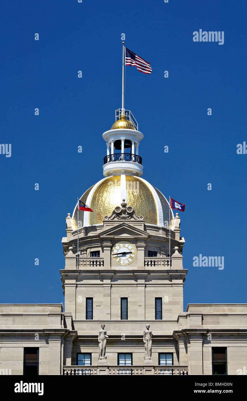 Gold Dome of Savannah City Hall in Savannah, Georgia - Stock Image