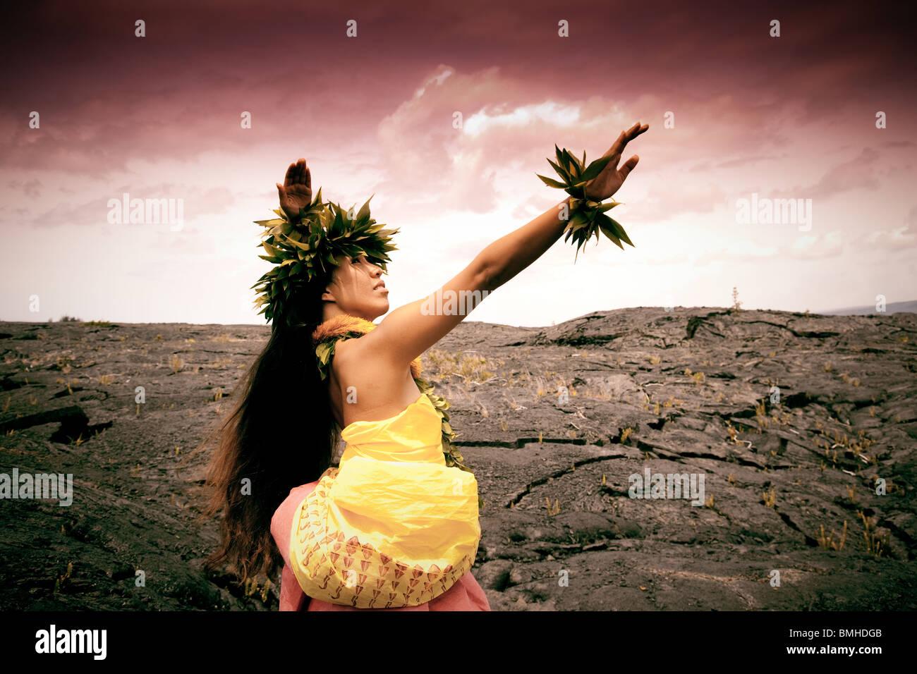 Female Hawaiian hula dancer - Stock Image