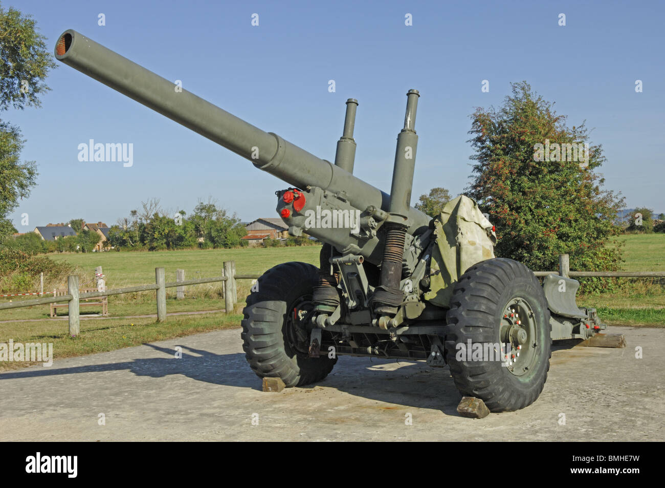 Field gun at the Merville battery in the Calvados (14) departement of France - Stock Image