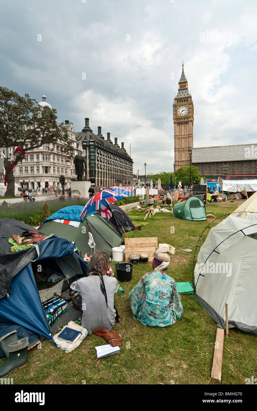 PEACE ACTIVISTS TENTS  IN FRONT OF PARLIAMENT SQUARE - Stock Image