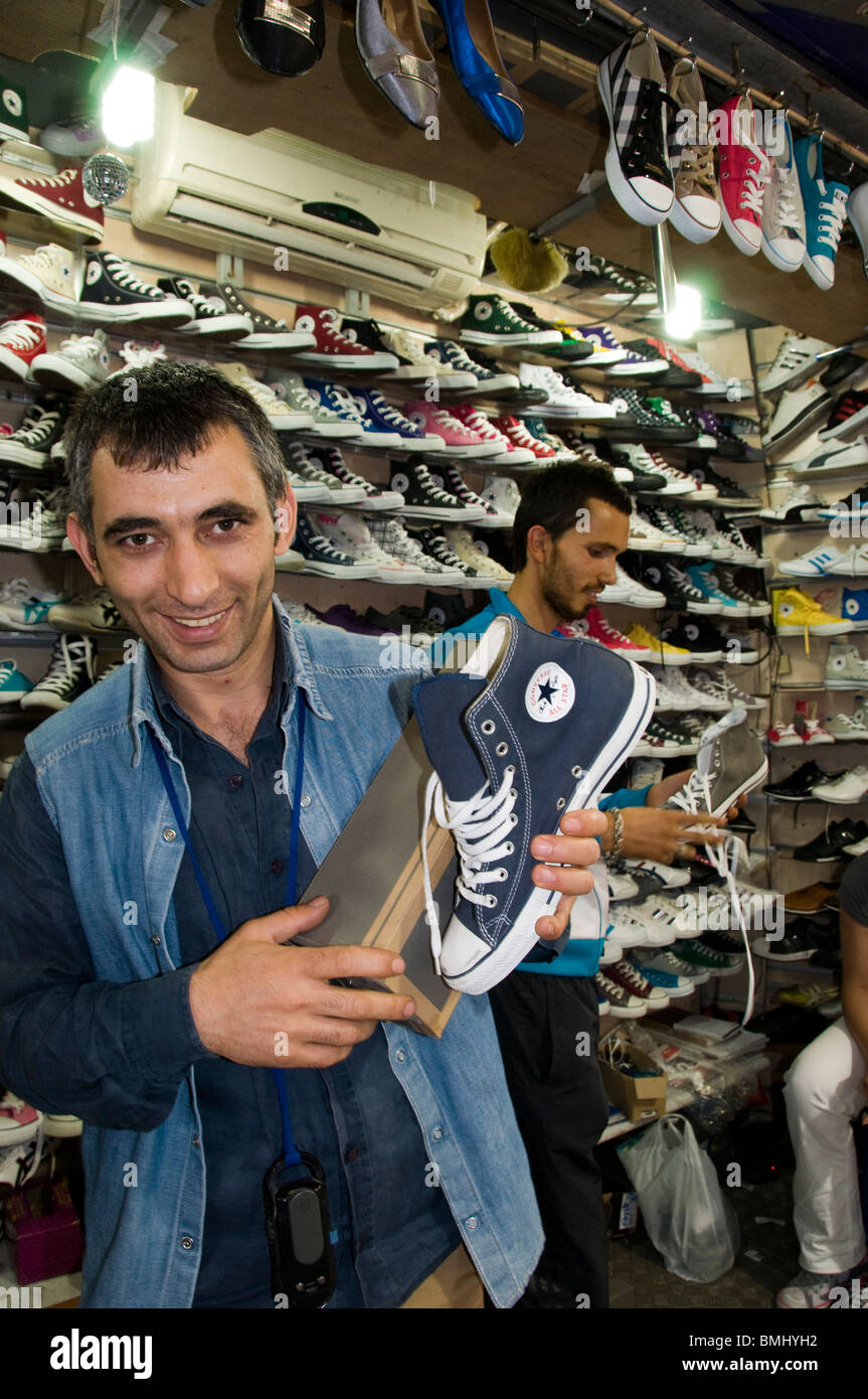Istanbul Grand Bazaar Turkey Kapali Carsi Kapalıcarsı shoes shoe shop  clandestine illegal All Stars - Stock Image