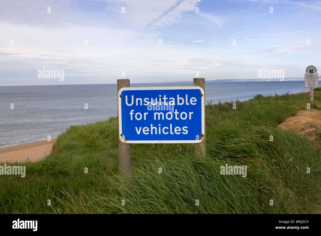 Road sign unsuitable for motor vehicles at Chesil Beach in Dorset, UK - Stock Image