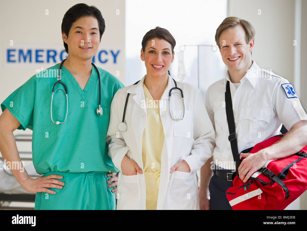 Healthcare workers in emergency room - Stock Image