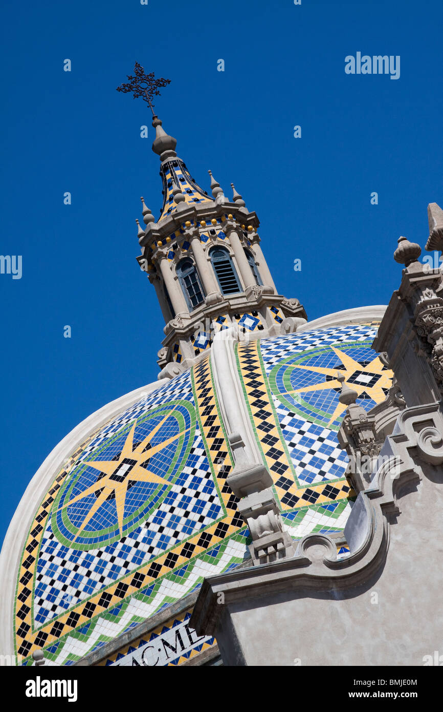 Moorish tiled dome and spire above Museum of Man in Balboa Park, San Diego, California - Stock Image