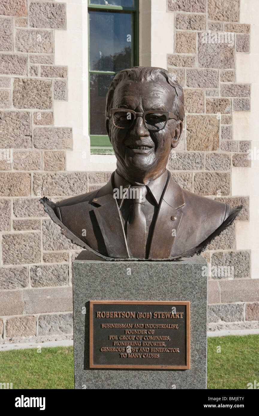 Robertson Stewart, bronze bust from the 'Twelve Local Heroes' by sculptor Mark Whyte. Christchurch Arts - Stock Image
