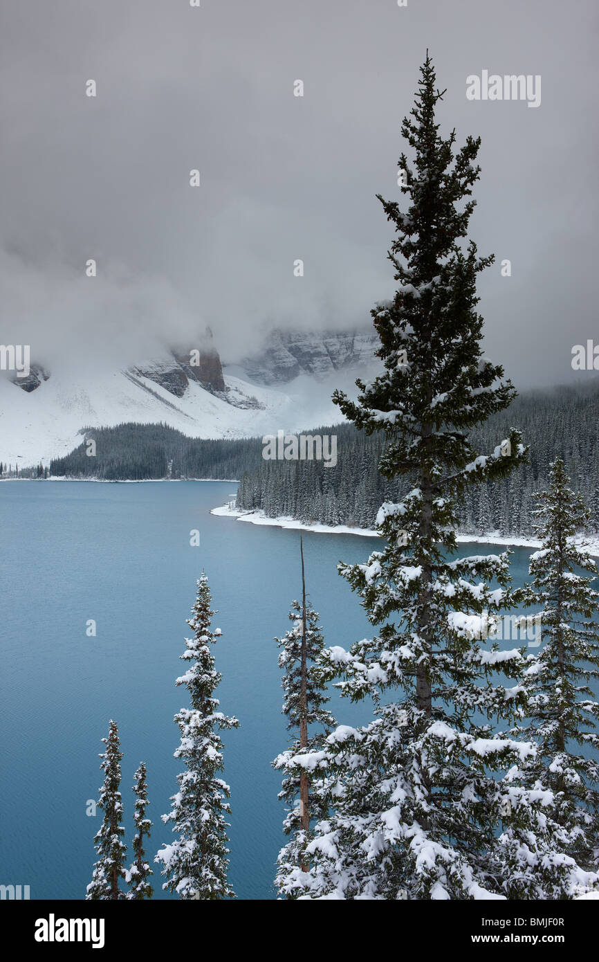 a fresh snowfall at Morraine Lake in the Valley of the Ten Peaks, Banff National Park, Alberta, Canada Stock Photo